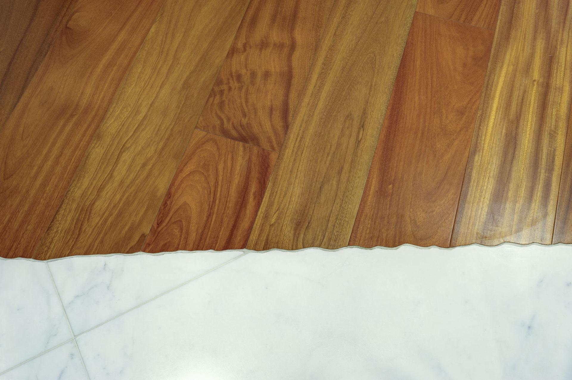 parquet di legno di doussie